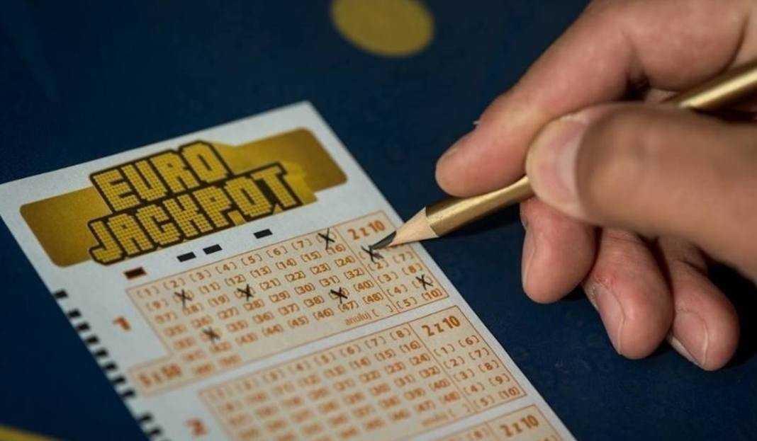 Eurojackpot欧洲彩票 (5 из 50 + 2 的 10)